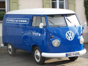 1198px-0385_porsche_diesel_bus_blau
